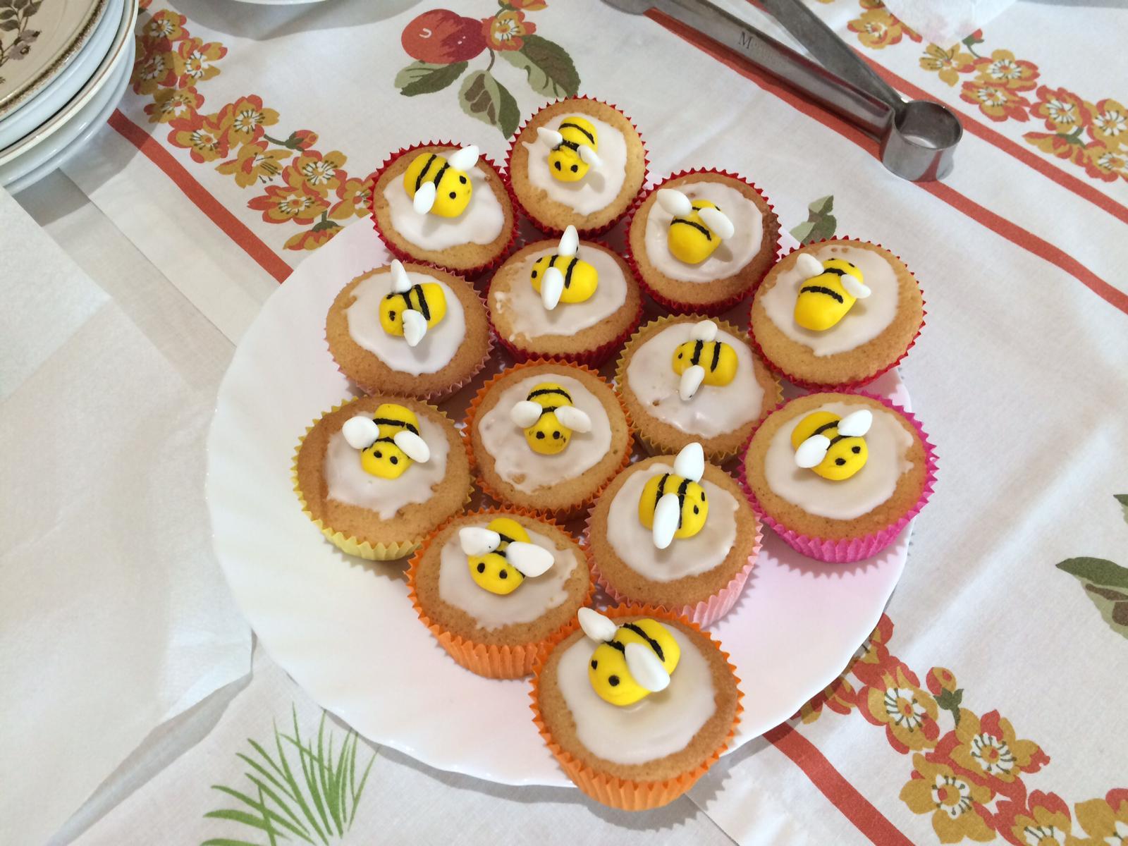 bee cakes!